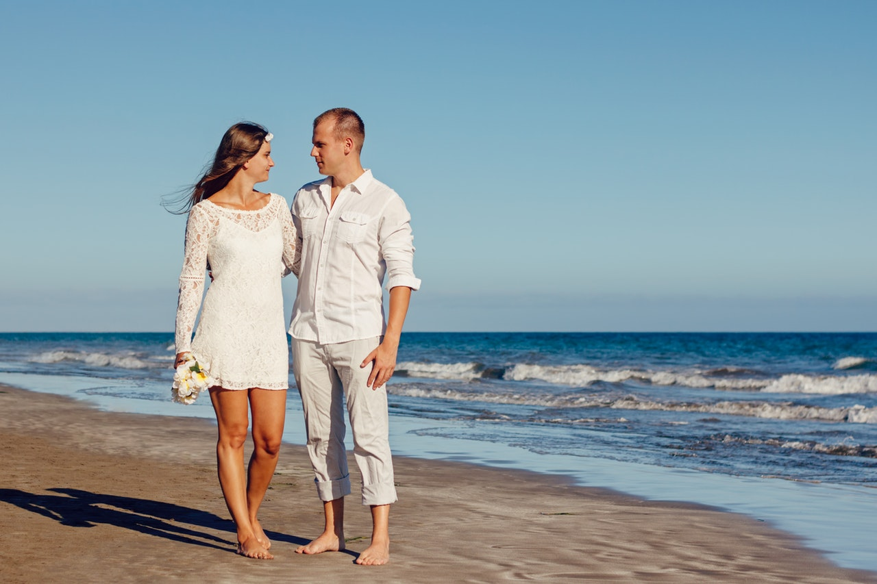 What Should You Wear For Your Beach Wedding